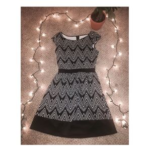 🌸 ADORABLE🌸 ⚪️⚫️ Black and White Dress ⚫️⚪️